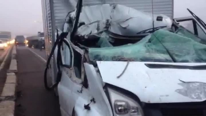 Acidente com quatro caminhões deixa feridos na BR-116; veja vídeo