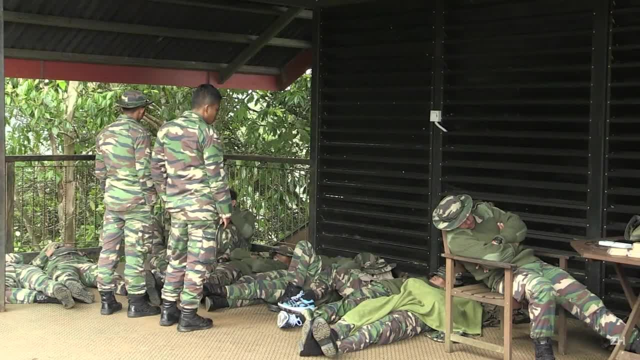 Malásia resgata alpinistas após terremoto