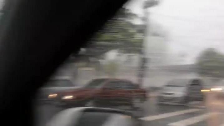 Chuva e granizo causam transtornos na região central de Joinville