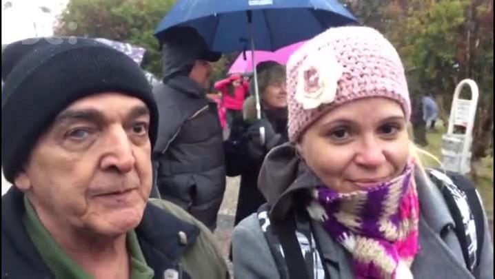 Turistas aguardam neve na Serra de SC