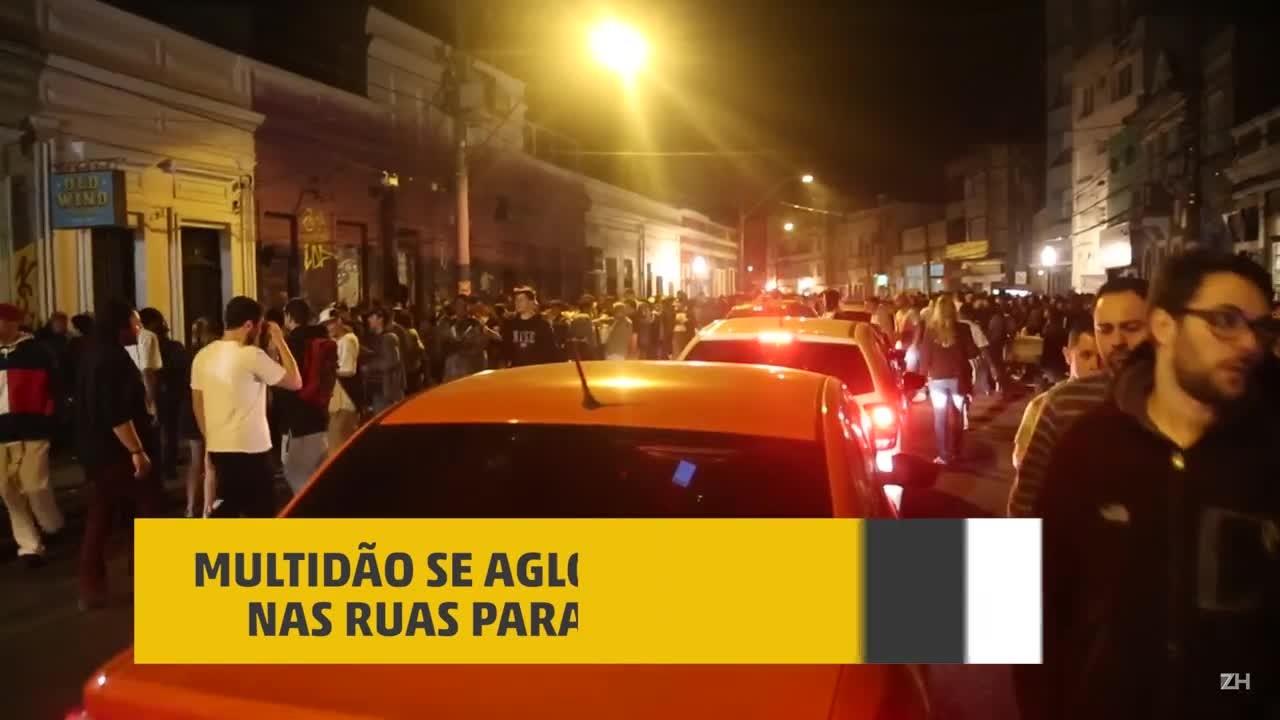 Na madrugada, Rua João Alfredo é tomada por jovens