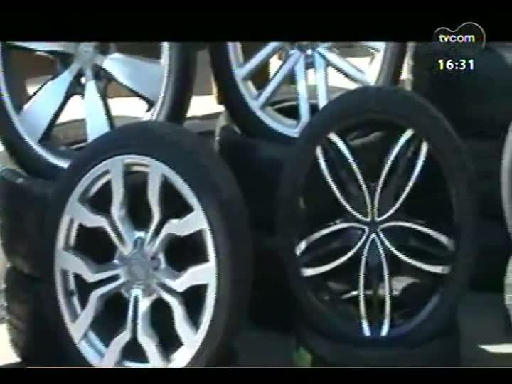 Carros e Motos - Saiba como escolher o modelo ideal de pneu para o seu carro - Bloco 1 - 09/06/2013