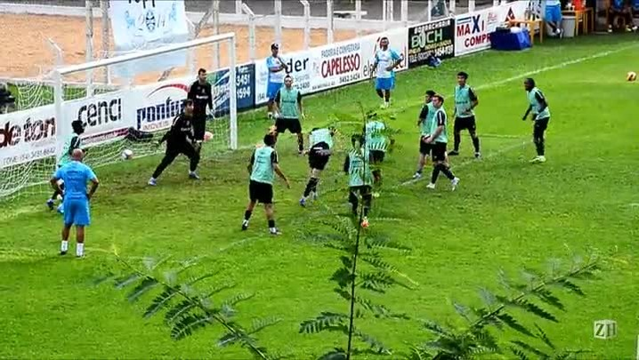 Treino do Grêmio pela manhã em Bento Gonçalves