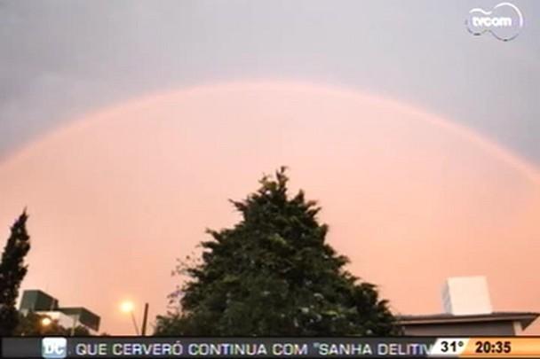 TVCOM 20h - Fenômeno deixa céu de Chapecó alaranjado - 13.1.15