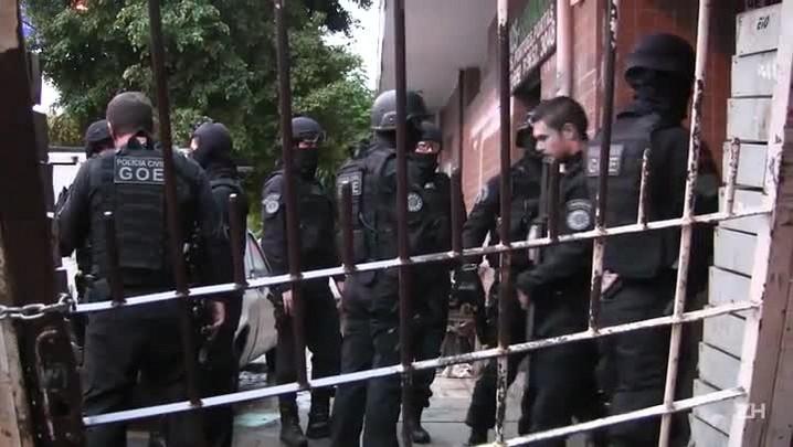 Veja a operação da polícia em condomínio de Xandi na capital