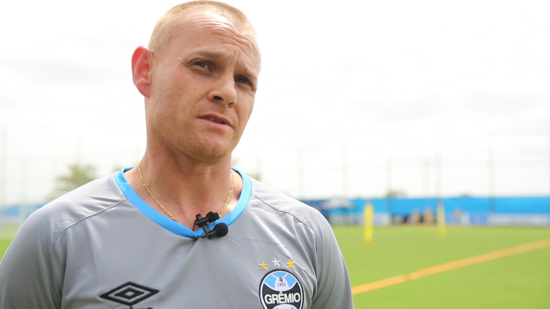 Três perguntas para o preparador físico do Grêmio Rogério Dias