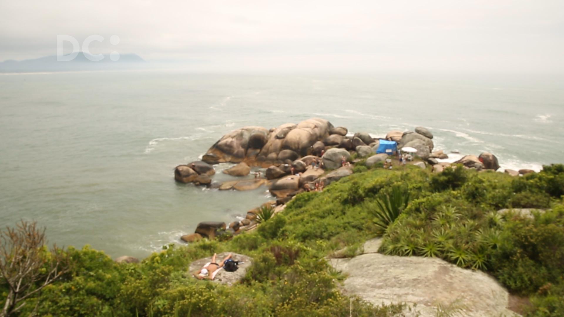 #DCpelaspraias: conhecendo as piscinas naturais da Barra da Lagoa, Florianópolis