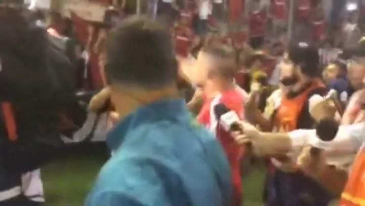 D\'Alessandro é ovacionado pela torcida na despedida do Inter