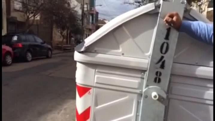 Contêiner de lixo com problemas na Lopo Gonçalves