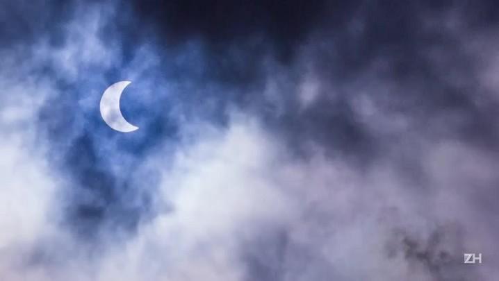 Instituto de Física da UFRGS promove observação do eclipse solar em Porto Alegre