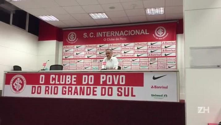 """Melo assegura Zago no cargo: \""""É o nosso treinador e vai continuar sendo\"""""""