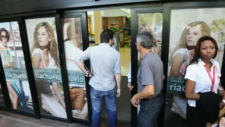 Shopping é evacuado após assalto à joalheria
