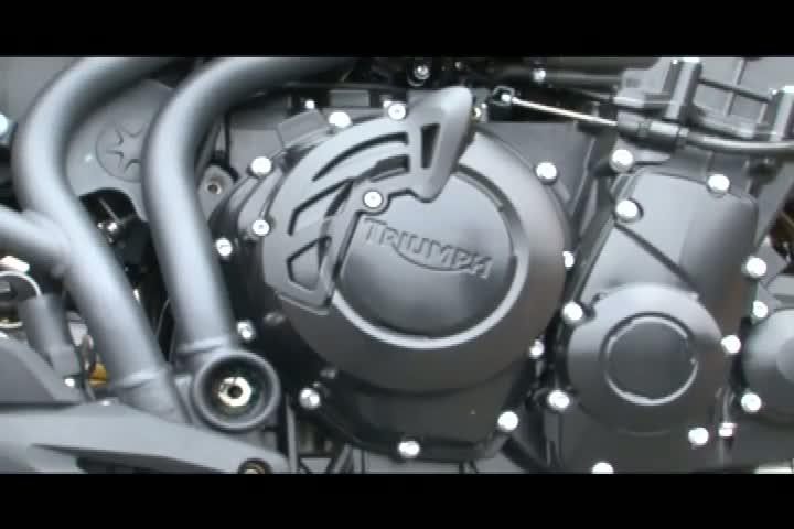 Carros e Motos - Saiba mais sobre a Big Trail Triumph XC 800 - Bloco 2 - 30/06/2013