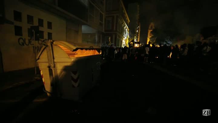 Contêiner é queimado no Centro da Capital