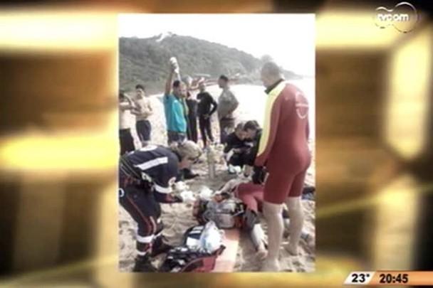 TVCOM 20h - Surfista morre afogado na praia da Armação - 3° bloco - 10.10.14