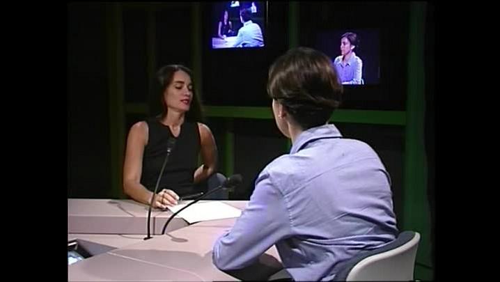 Adriana Calcanhoto - Sobre a comparação com a Elis e as críticas - Entrevista concedida à TVCOM em 1997