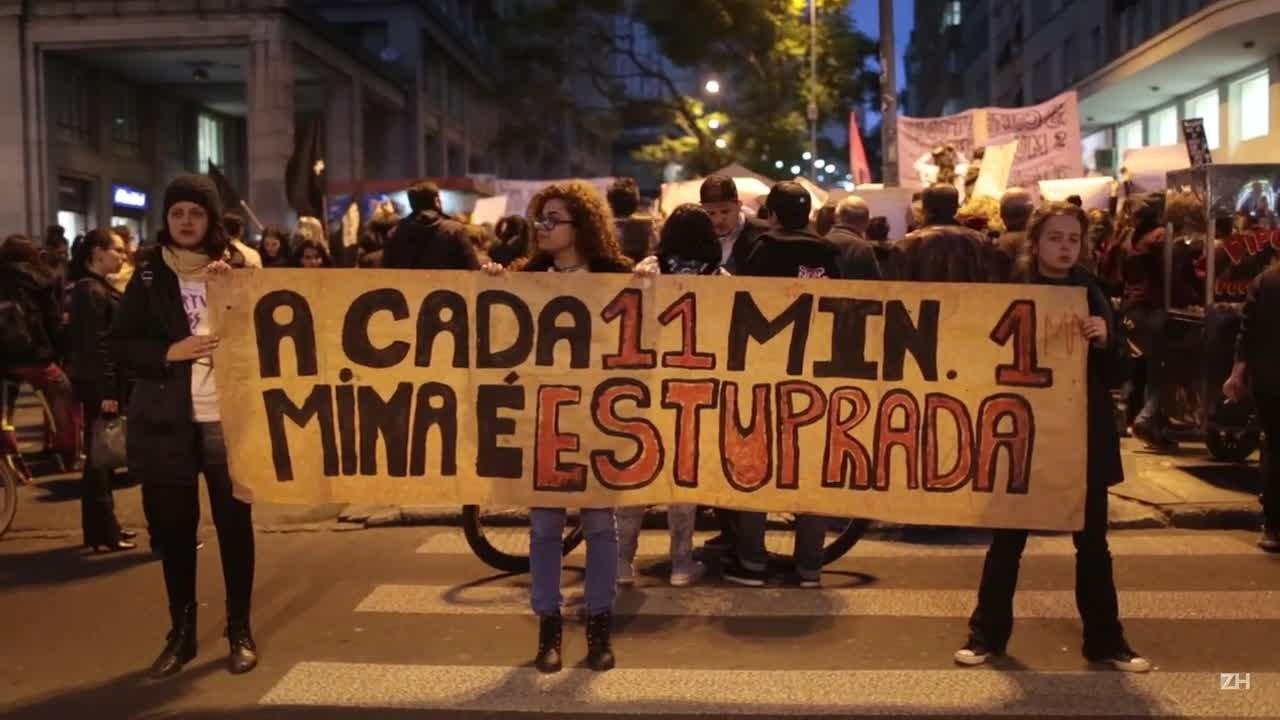 Contra a cultura do estupro, mulheres protestam na Capital