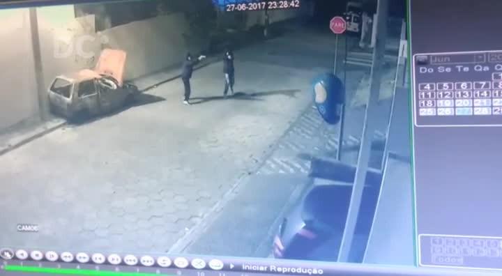 Bandidos dispararam contra 2ª DP do Saco dos Limões, em Florianópolis