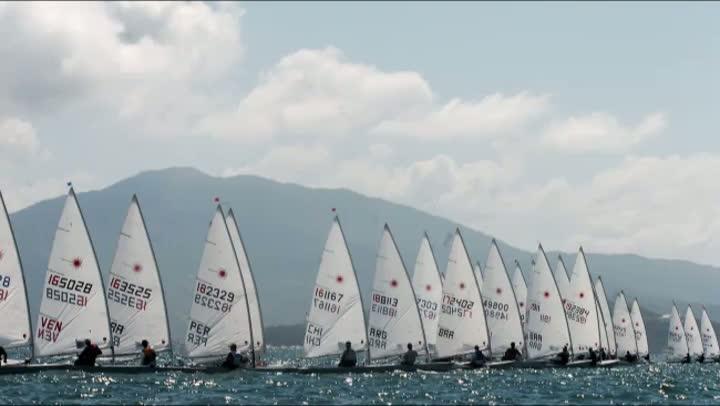 Multicampeão veleja no Guaíba