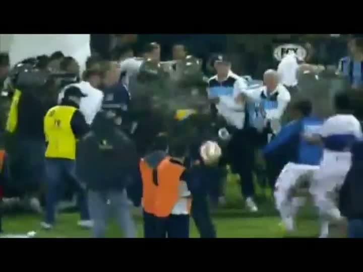 Huachipato 1x1 Grêmio: Resultado no Chile não passou pela arbitragem. 19/04/2013