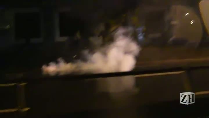 Protesto em POA: Início do confronto na Avenida Ipiranga
