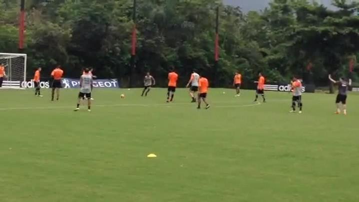 Tigre treina no Ninho do Urubu, CT do Flamengo, no Rio