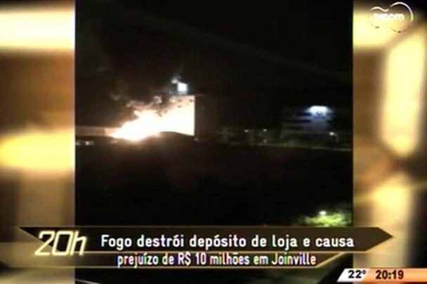 TVCOM 20 Horas - Incêndio em Joinville destrói loja e causa prejuízo de R$ 10 milhões - 20.04.15