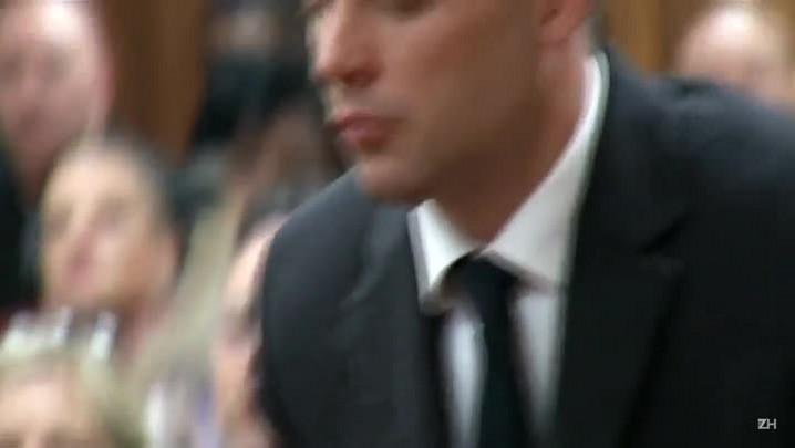 Oscar Pistorius é condenado a 6 anos de prisão
