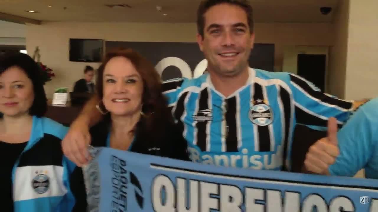 Torcedores apóiam o Grêmio na concentração em Bogotá