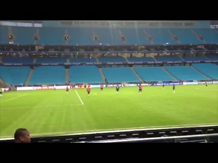 Seleção Francesa treinou na Arena na tarde deste sábado. 08/06/2013