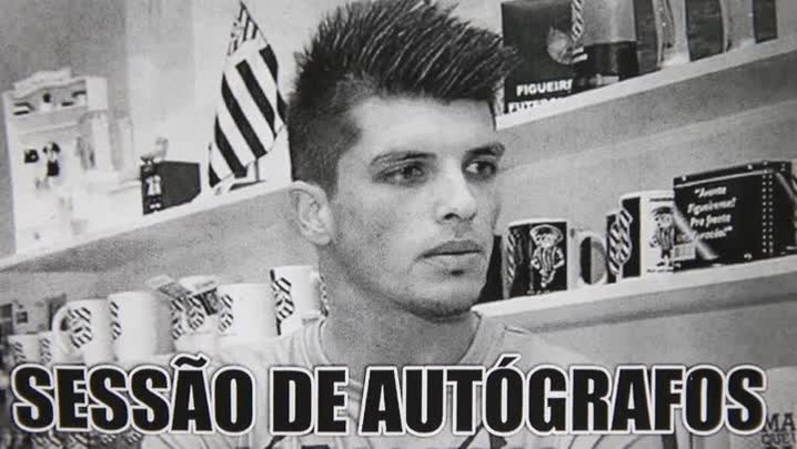 Tiago Volpi conquista torcida e vira símbolo da recuperação do Figueirense