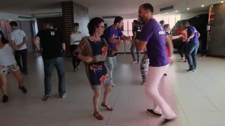 Aula com os professores da Dança dos Famosos