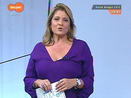 TVCOM Tudo Mais - Intérprete de Edith Piaf no espetáculo \'Piaf! O Show\' faz apresentação surpresa na rodoviária da capital