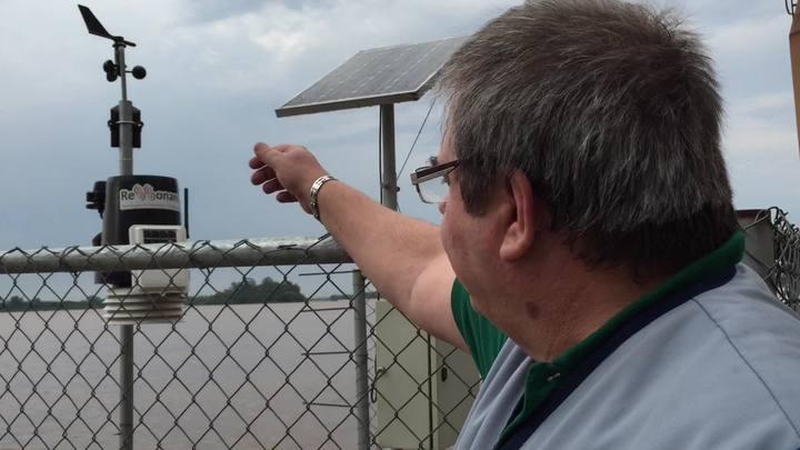 Gerente do Metroclima explica medição de volume de chuvas