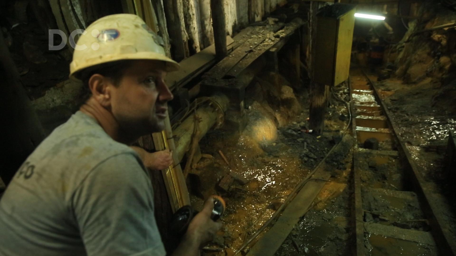 Funcionários de mineradora tentam sobreviver à falência da empresa em Criciúma