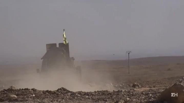 Estado Islâmico recua diante de dupla ofensiva