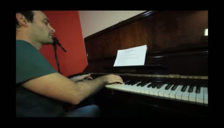 Dante Ramon Ledesma ensaia \'Grito dos Livres\'