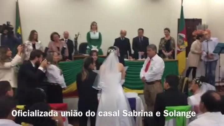 Com discursos contra o preconceito, casamento coletivo é realizado em Livramento