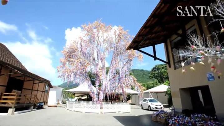 Conheça a árvore de Páscoa de Pomerode