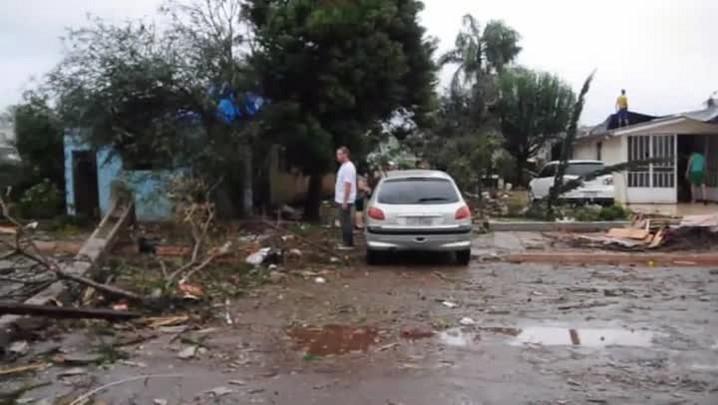 Tempestade deixa rastro de destruição em Xanxerê