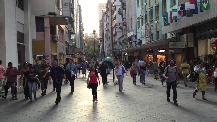 Frequentadores opinam sobre projeto de revitalização da Rua da Praia