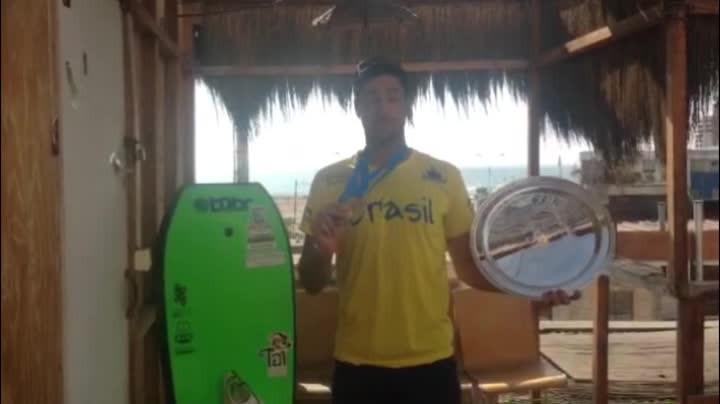 Catarinense Eder Luciano comenta a emoção de ser tricampeão mundial de bodyboarding