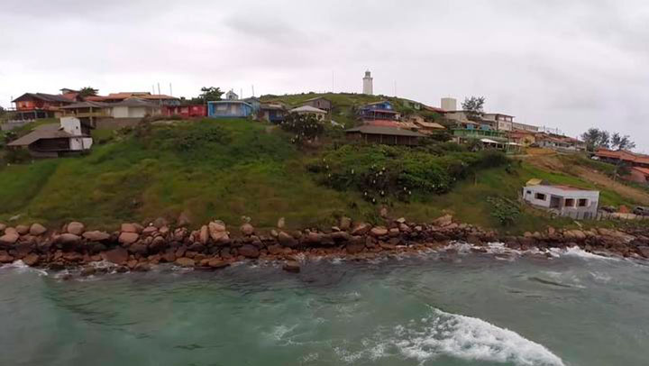 Farol de Santa Marta: de paraíso a praia imprópria