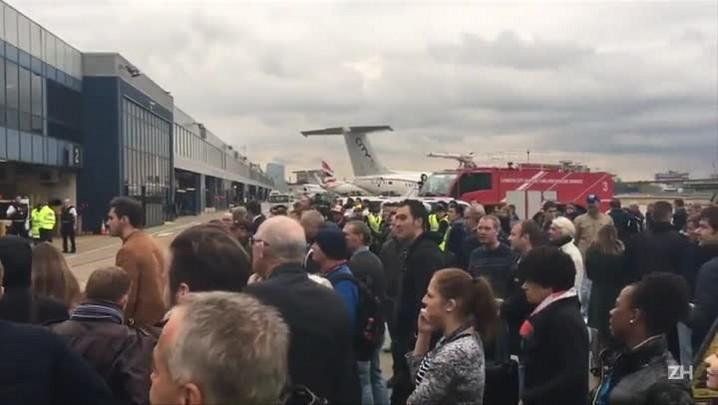 Aeroporto de Londres é evacuado após alerta