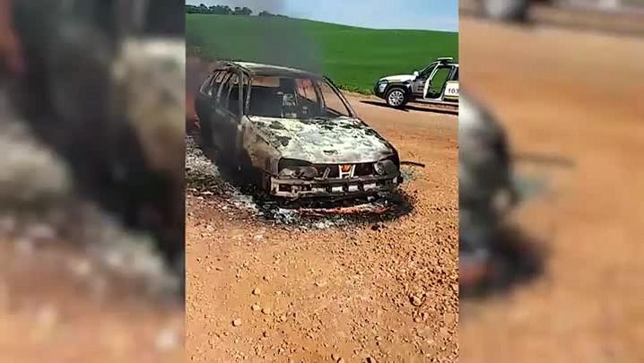 Após assalto a banco em Quatro Irmãos, criminosos colocam fogo em carro