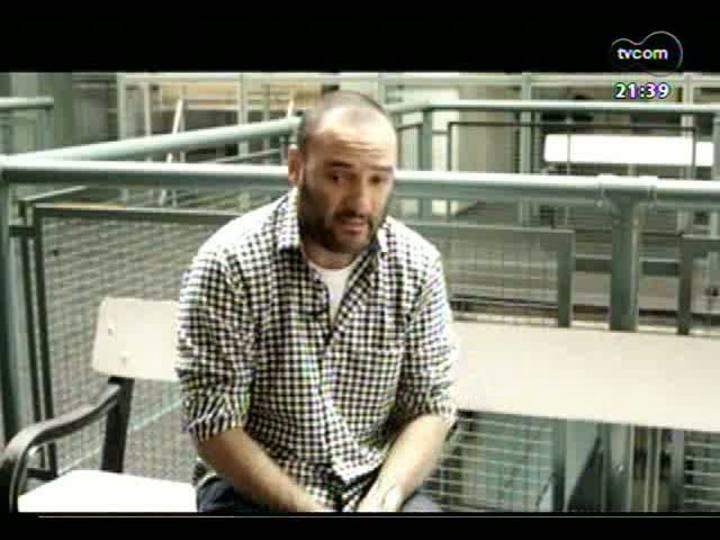 """TVCOM Tudo Mais - As Patrícias: uma conversa com o designer Marcelo Rosenbaum sobre o projeto \""""A gentr transforma\"""""""