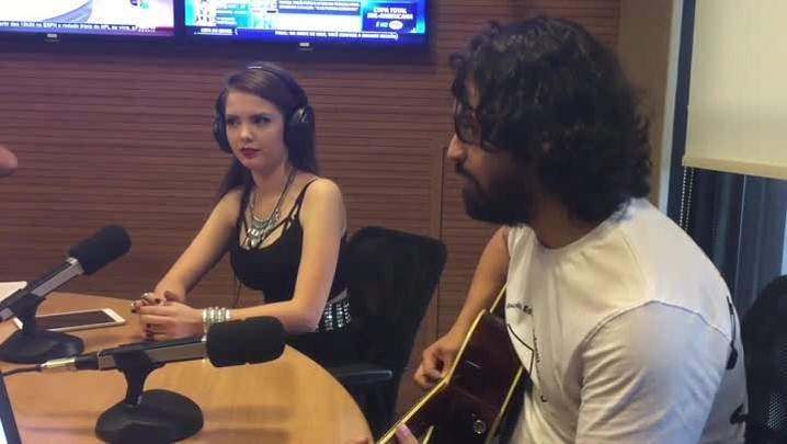 Laura Pinzon na Voz do RS - 26/11/2014