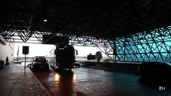 Grêmio embarca para Maceió