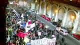Manifestantes contr�rios ao governo Temer realizam protesto na Capital