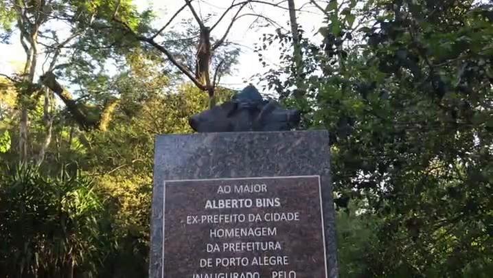 Monumentos da Redenção são vandalizados